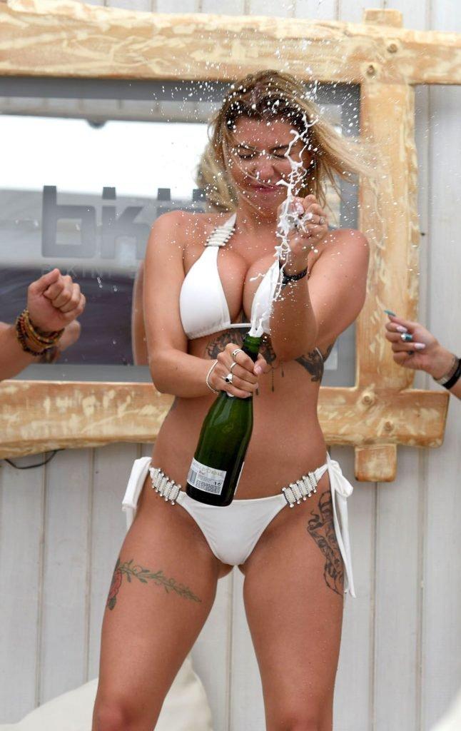 Olivia Buckland Sexy (20 Photos)