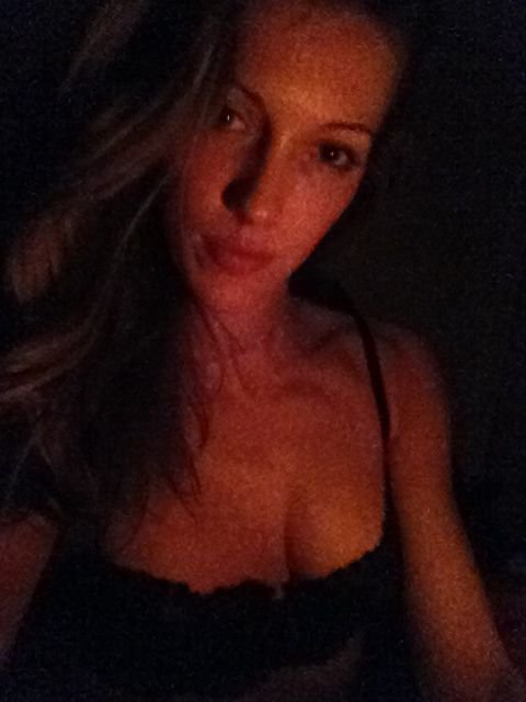 Katie Cassidy (21 Private Photos & 2 Videos)