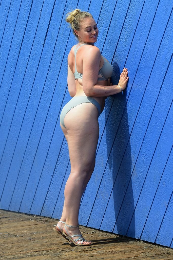 Iskra Lawrence Sexy (23 Photos)