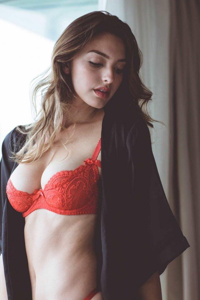 Celine Farach Sexy (27 Photos)