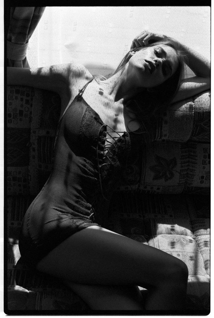 Karola Warzecha Sexy & Topless (18 Photos)