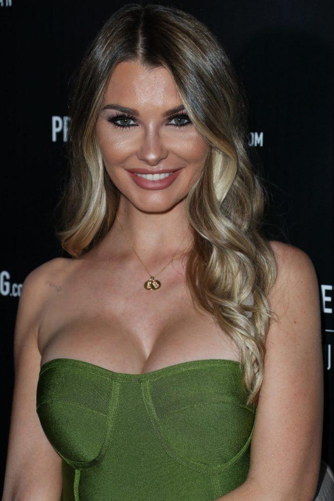 Emily Sears Sexy (25 Photos + Video)