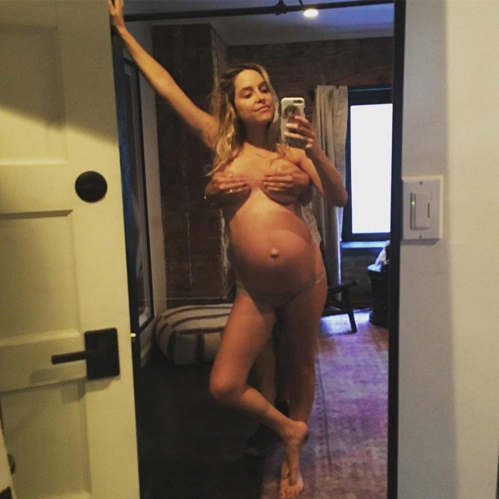 Jenny Mollen Topless (1 New Photo)