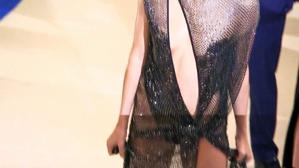 Kendall Jenner See Through (15 Pics + Gifs & Video)