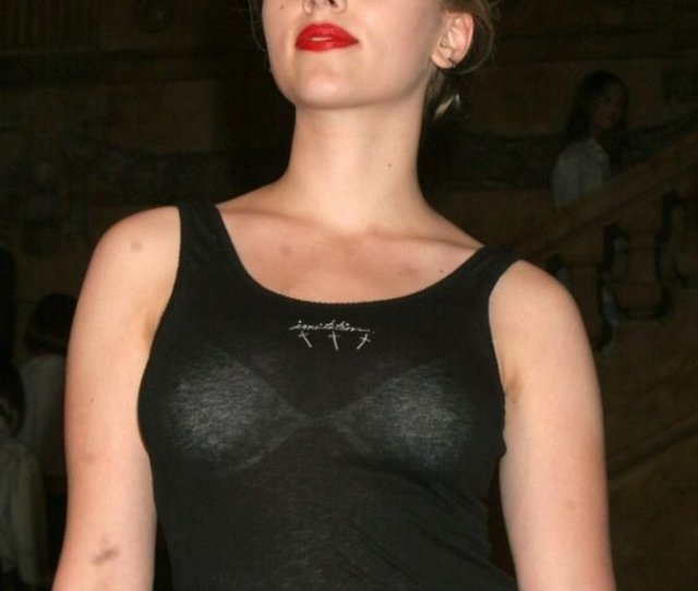 Scarlett Johansson See Through  Photos