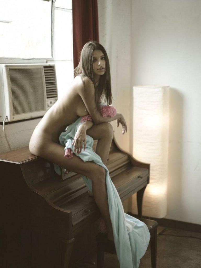 Bruna Lirio Nude (14 Photos)