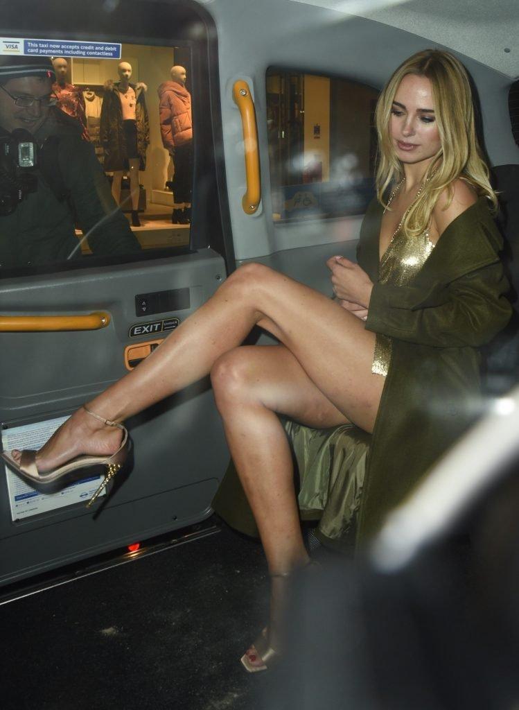 Kimberley Garner Sexy (27 Photos + Gif)