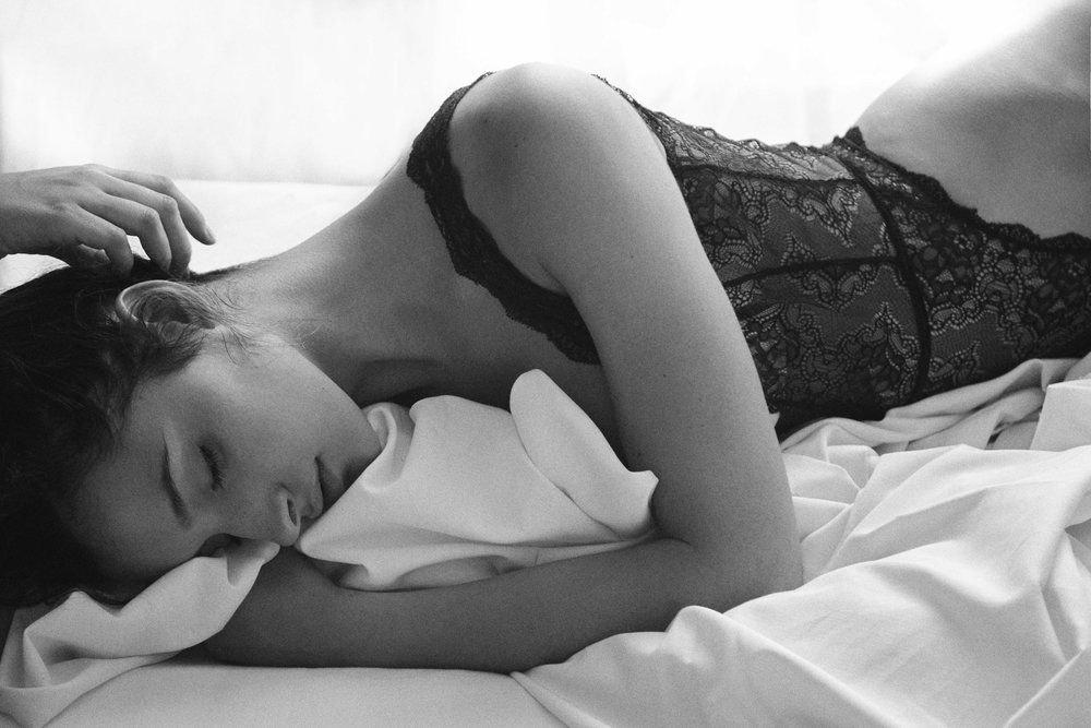 Pilar Magro Nude & Sexy (9 Photos)