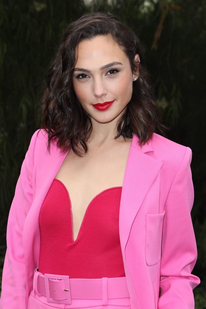 Gal Gadot Sexy (18 Photos)