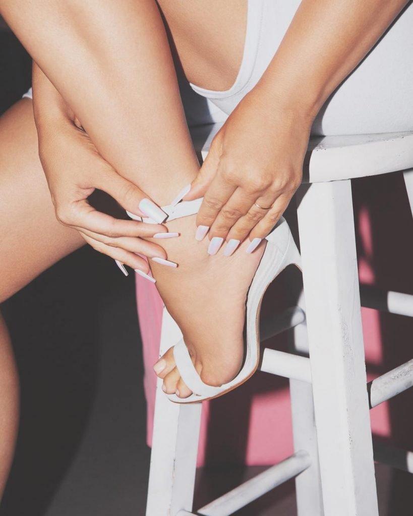 Kim Kardashian West Sexy (5 Hot Photos)