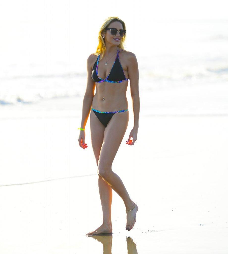 Stephanie Pratt Sexy (14 Photos)