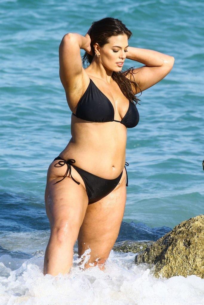 Ashley Graham Looks Like A Sexy Hippo (41 Photos)