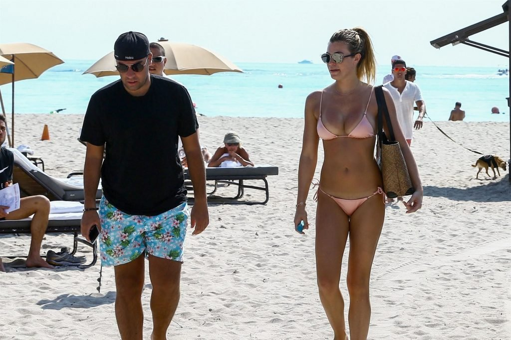 Sexy Samantha Hoopes Shows Off Her Hooters On The Beach (69 Photos)