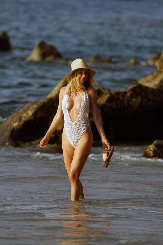 Sara Underwood See Through & Sexy (48 Photos + Video)