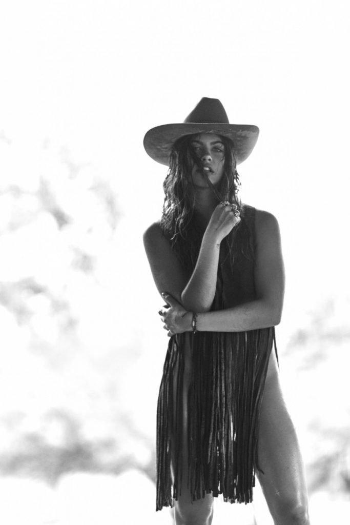 Mimi Elashiry Nude & Sexy (43 Photos)