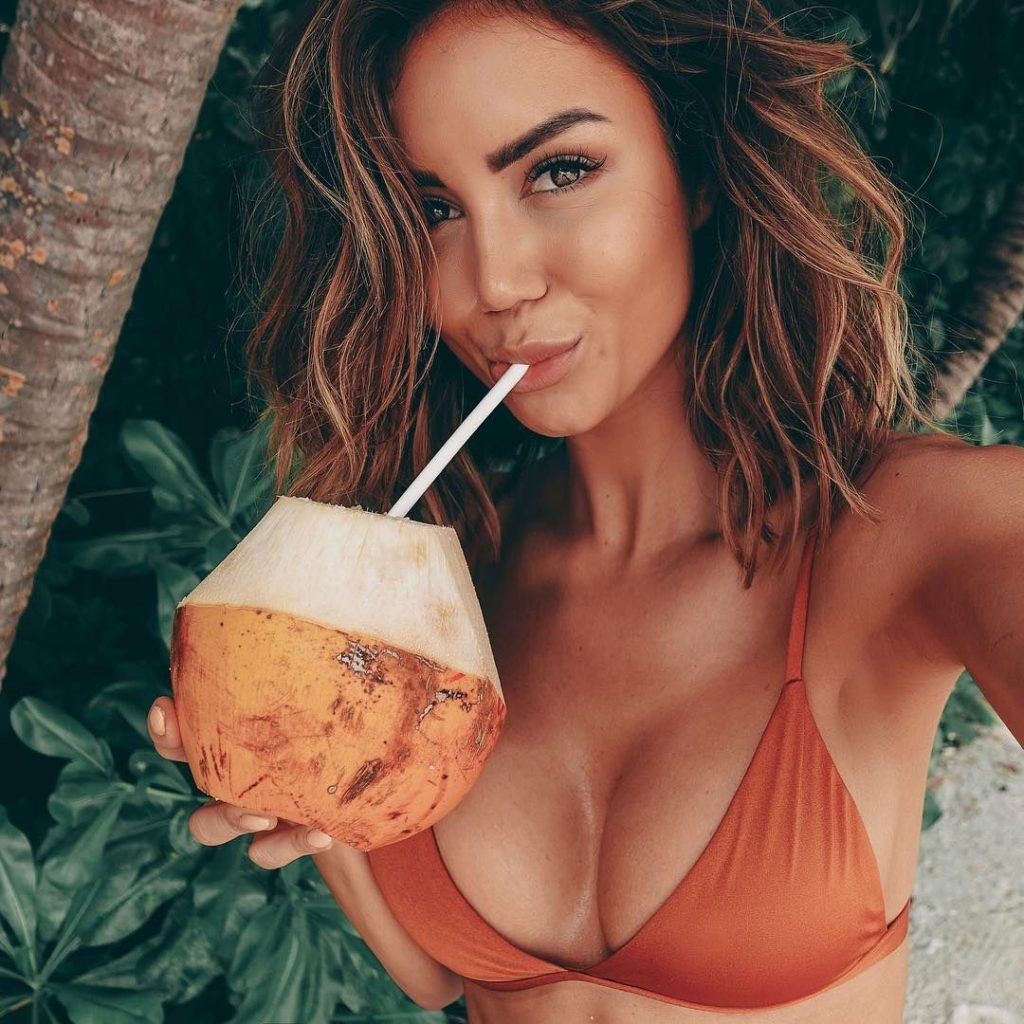 Pia Muehlenbeck Sexy Fappening (42 Photos)