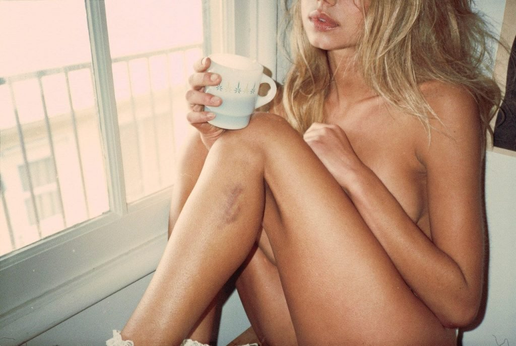 Sahara Ray Nude & Sexy (16 Photos)