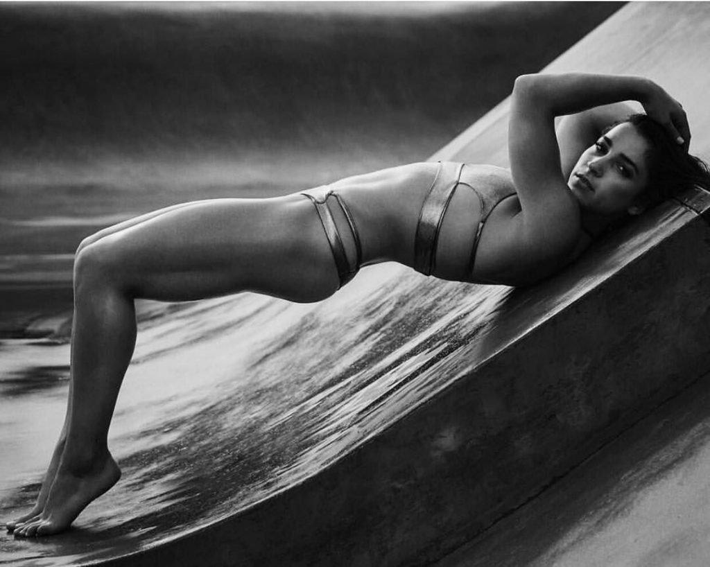 Aly Raisman Sexy (13 Photos)