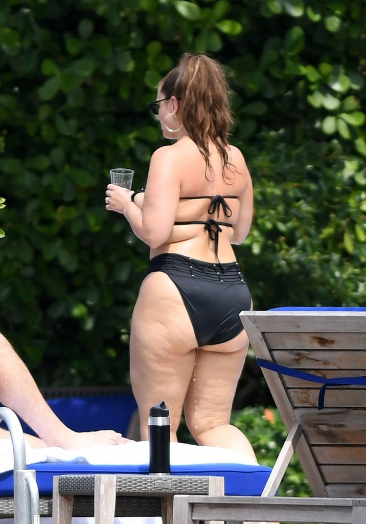 Ashley Graham Sexy (94 Photos)