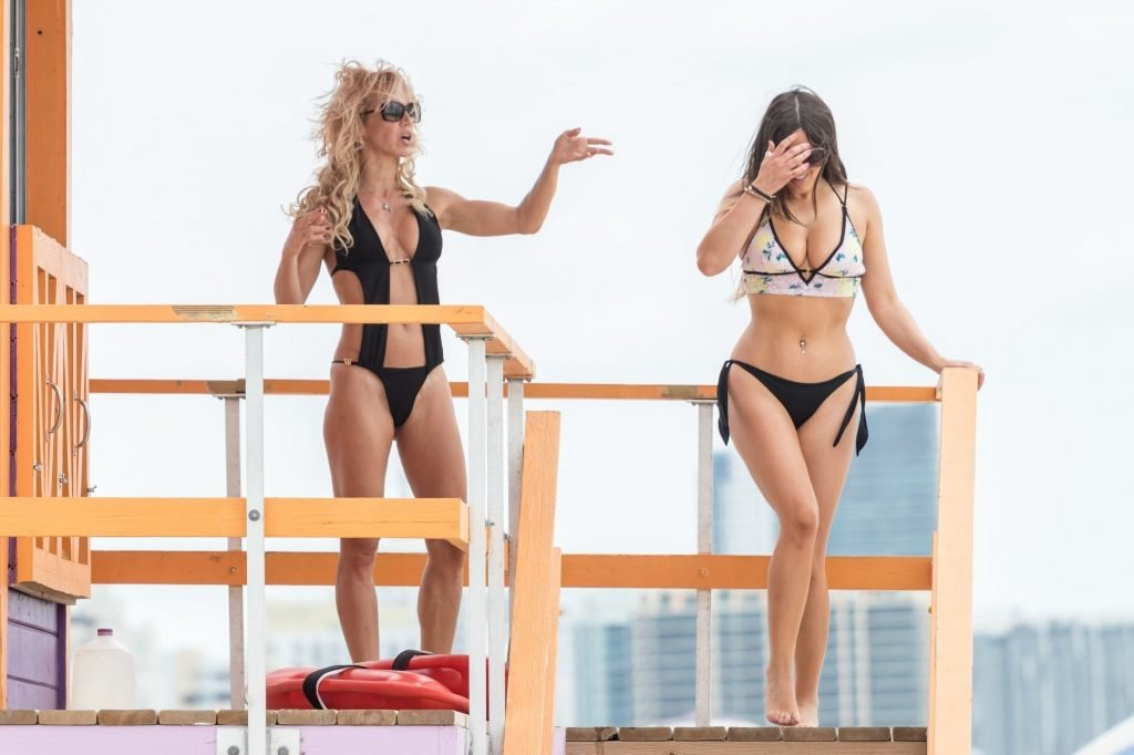 Claudia Romani & Carol Paredes Sexy (43 Photos)