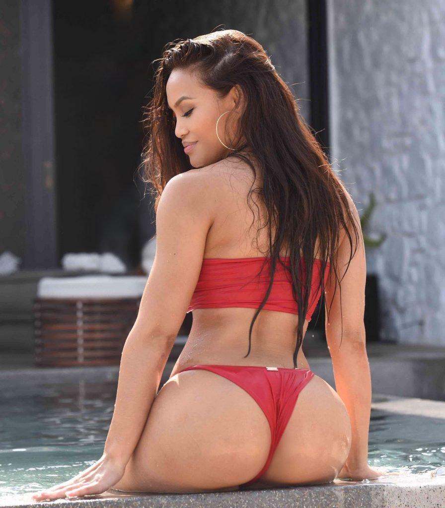 Daphne Joy Sexy (14 Photos)