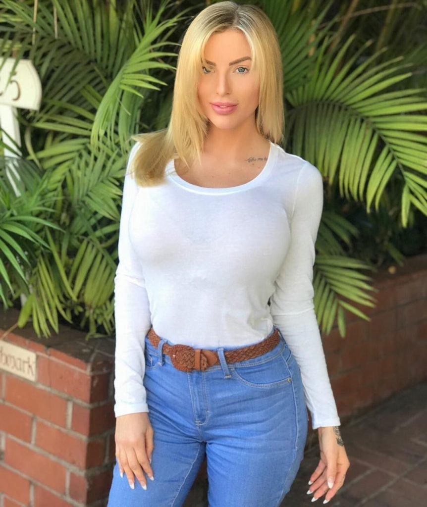 Jessica Weaver Nude & Sexy (100 Photos)