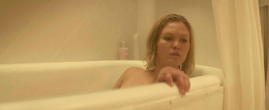 Julia Stiles Nude & Sexy (92 Photos)