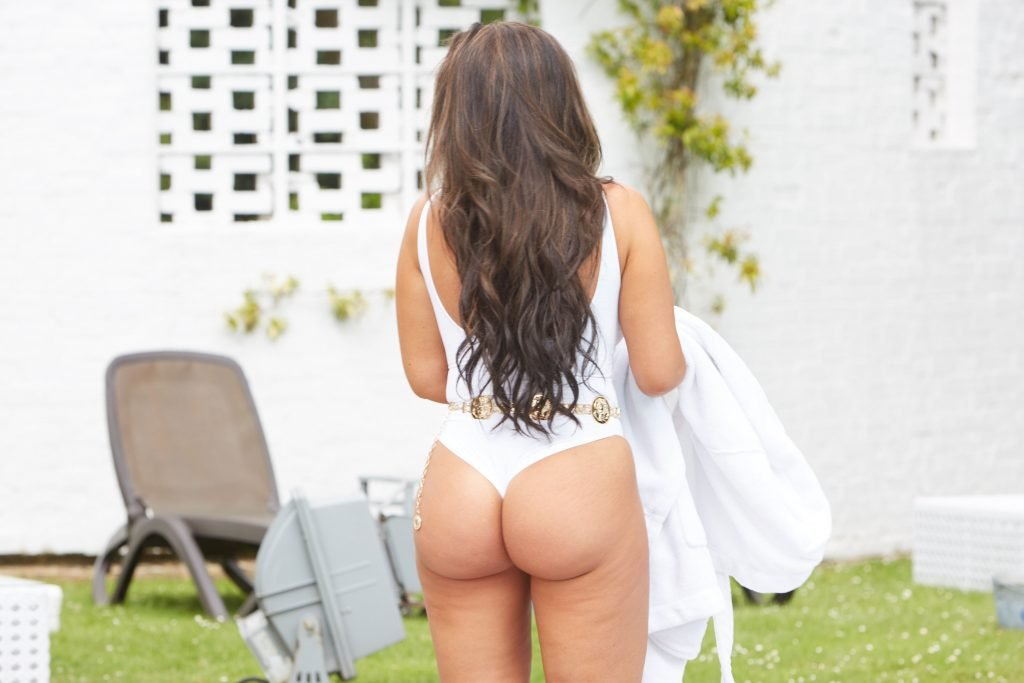Lauren Goodger Sexy (28 Photos)
