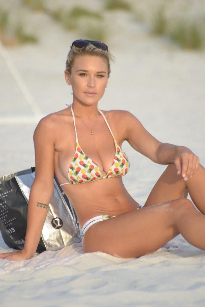 Lauren Hubbard Sexy (34 Photos)