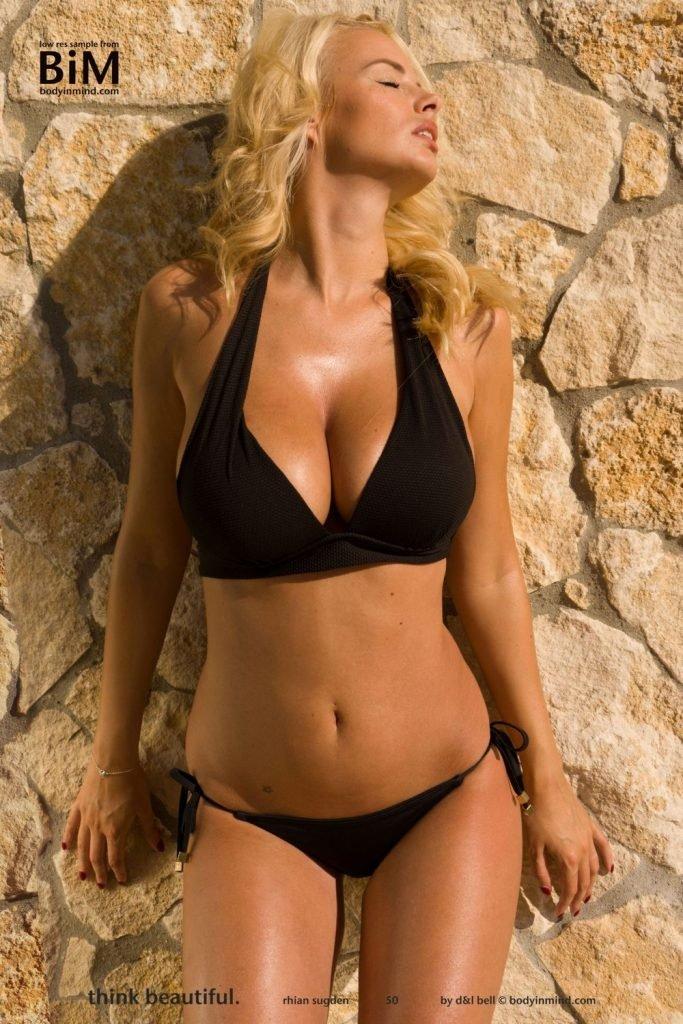 Rhian Sugden Nude & Sexy (12 Hot Photos)