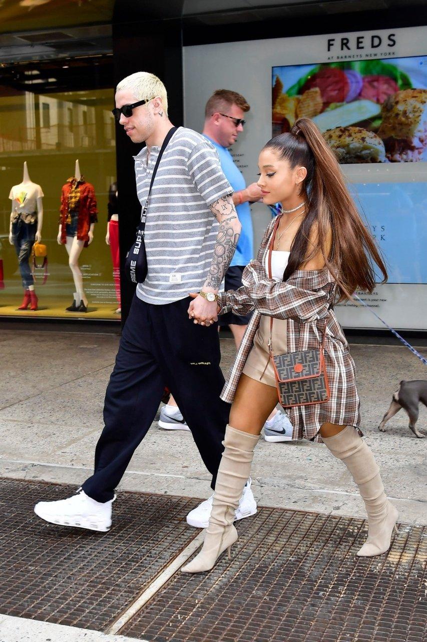 Ariana Grandes Pokies 19 Photos  TheFappening