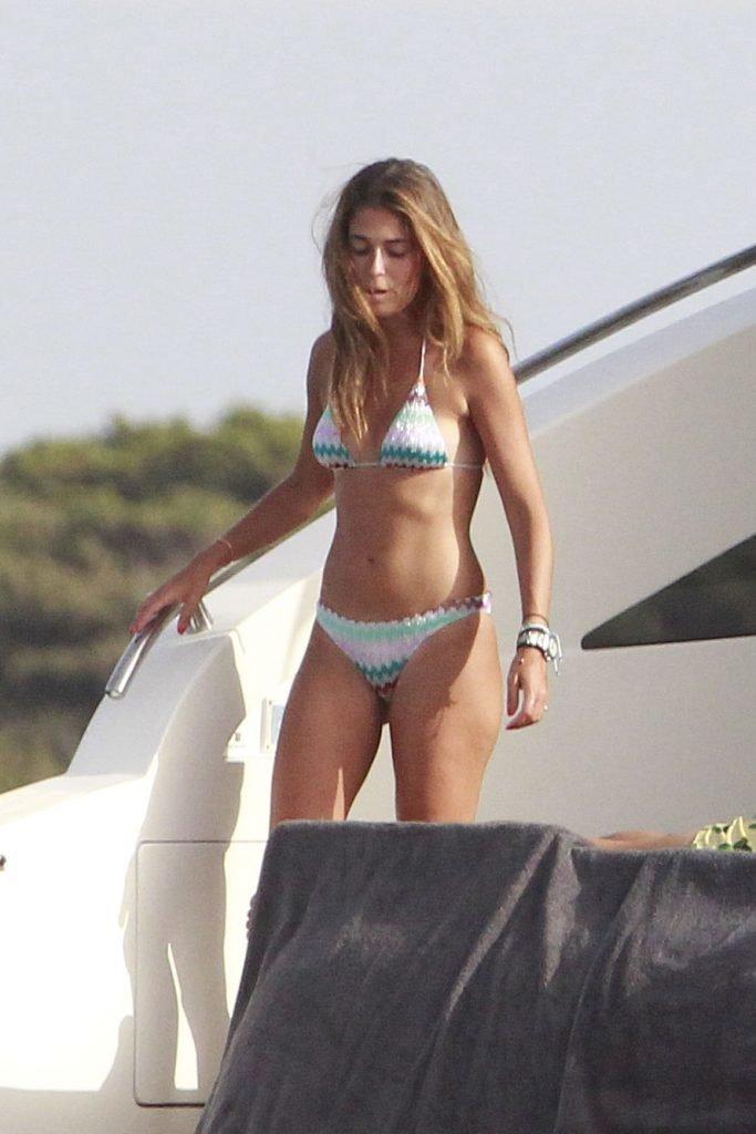 Coral Simanovich Sexy (27 Photos)