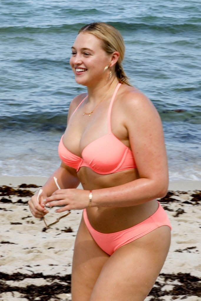 Iskra Lawrence Sexy (110 Photos)