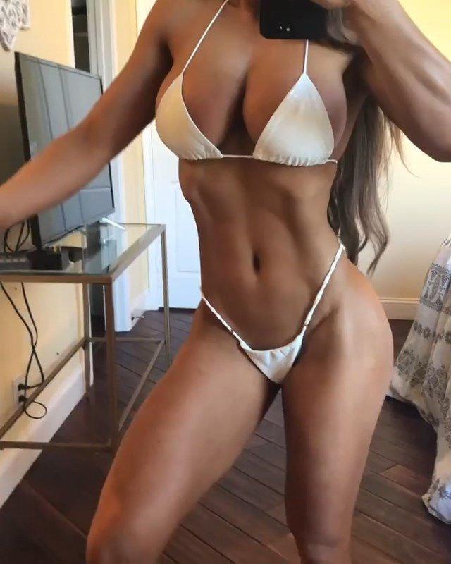 Michie Peachie Nude & Sexy (70 Photos)