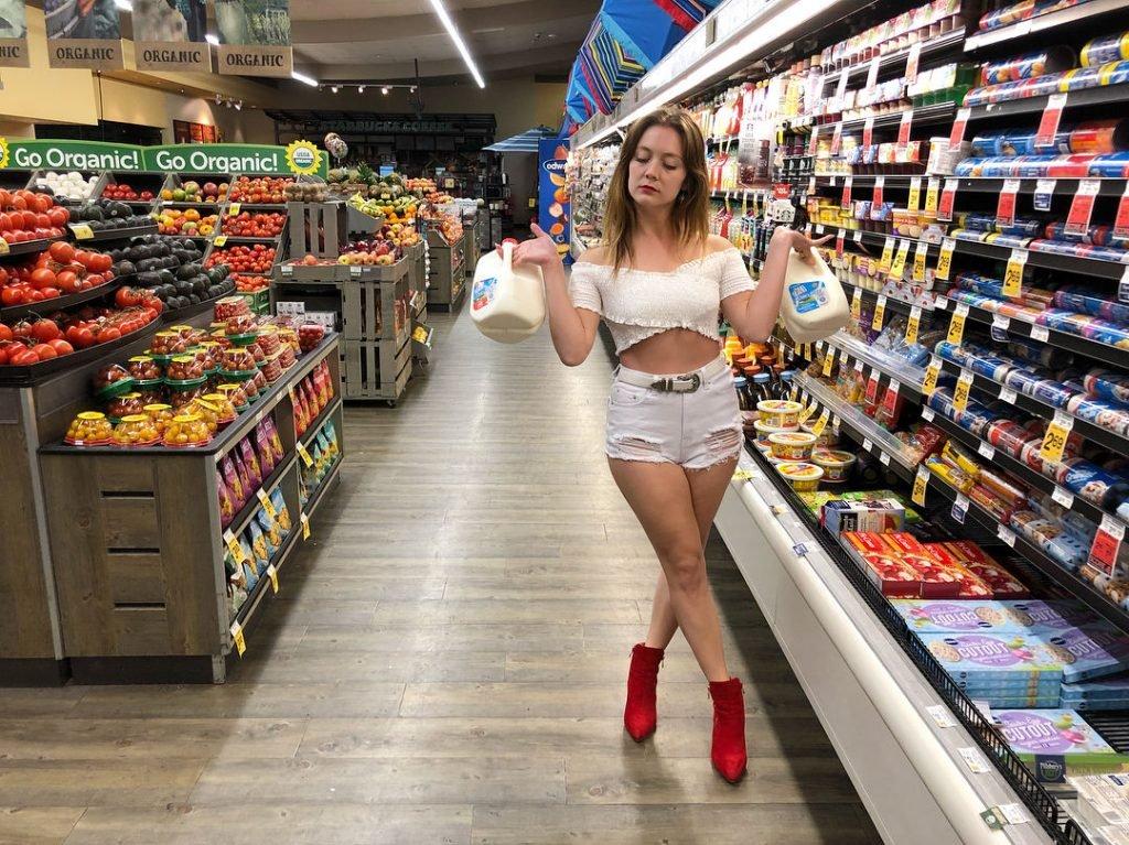 Billie Lourd Sexy (36 Photos)