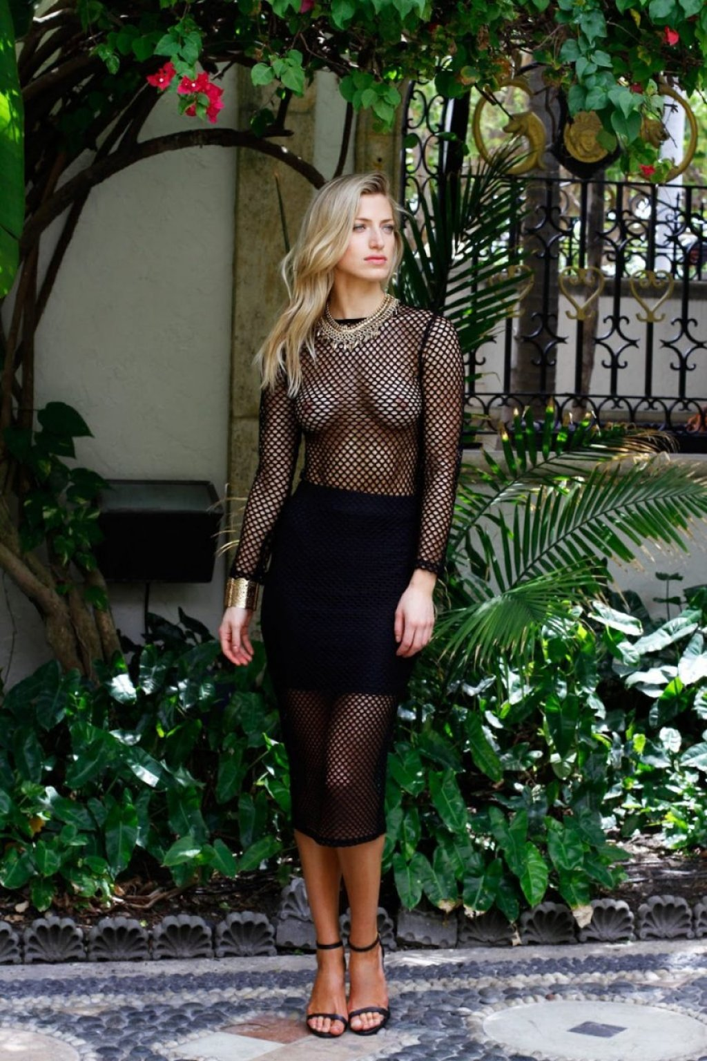 Jessica Larusso See Through & Sexy (20 Photos)