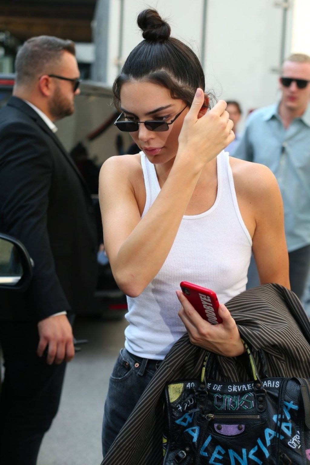 Kendall Jenner Braless (21 New Photos)