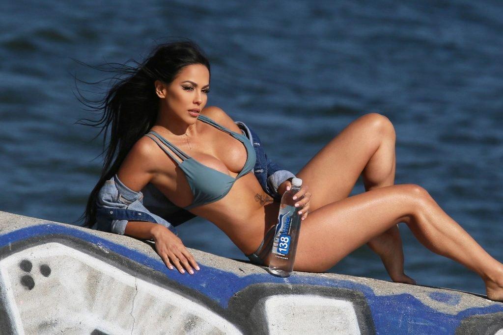 Melissa Riso Sexy (19 Photos + GIFs)