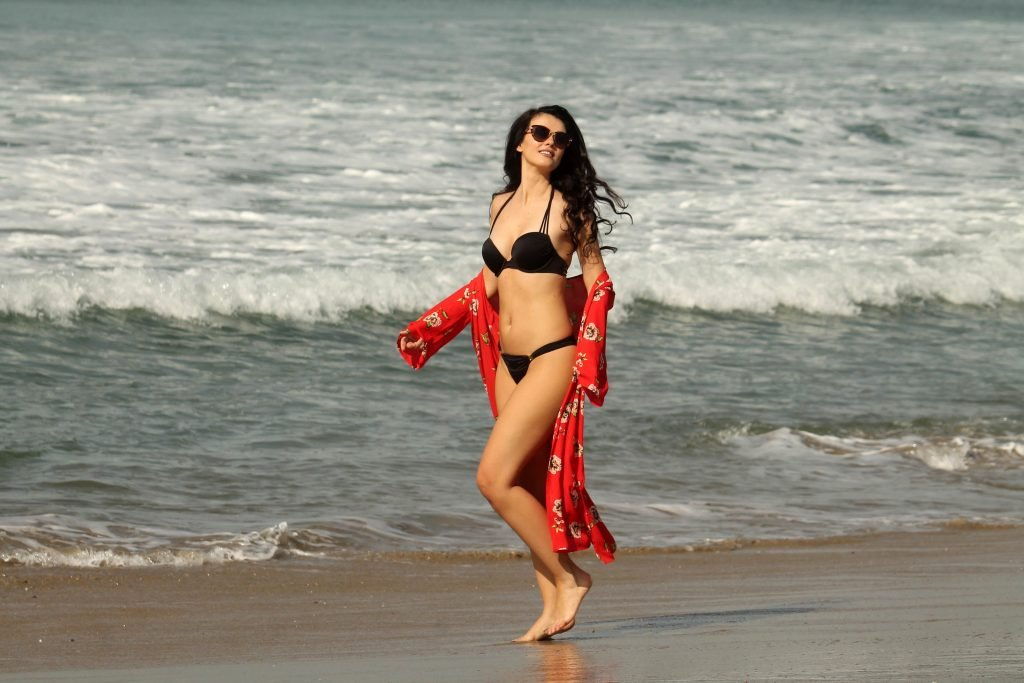Natasha Blasick Sexy (17 New Photos)