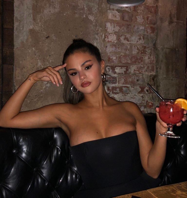 selena gomez sexy photo