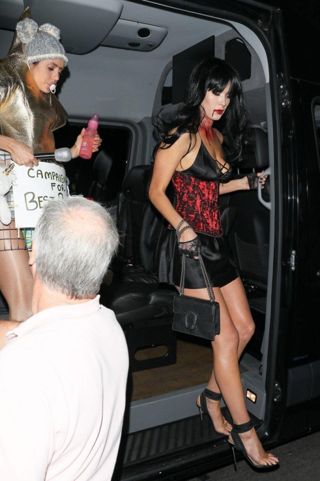 Camila Morrone Sexy (4 Photos)