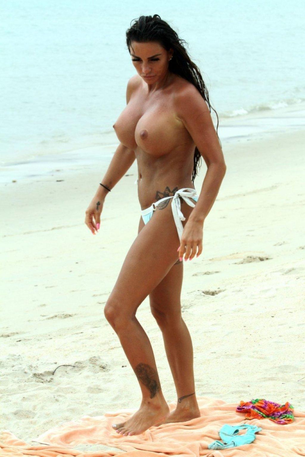 Katie Price Topless (70 Photos)