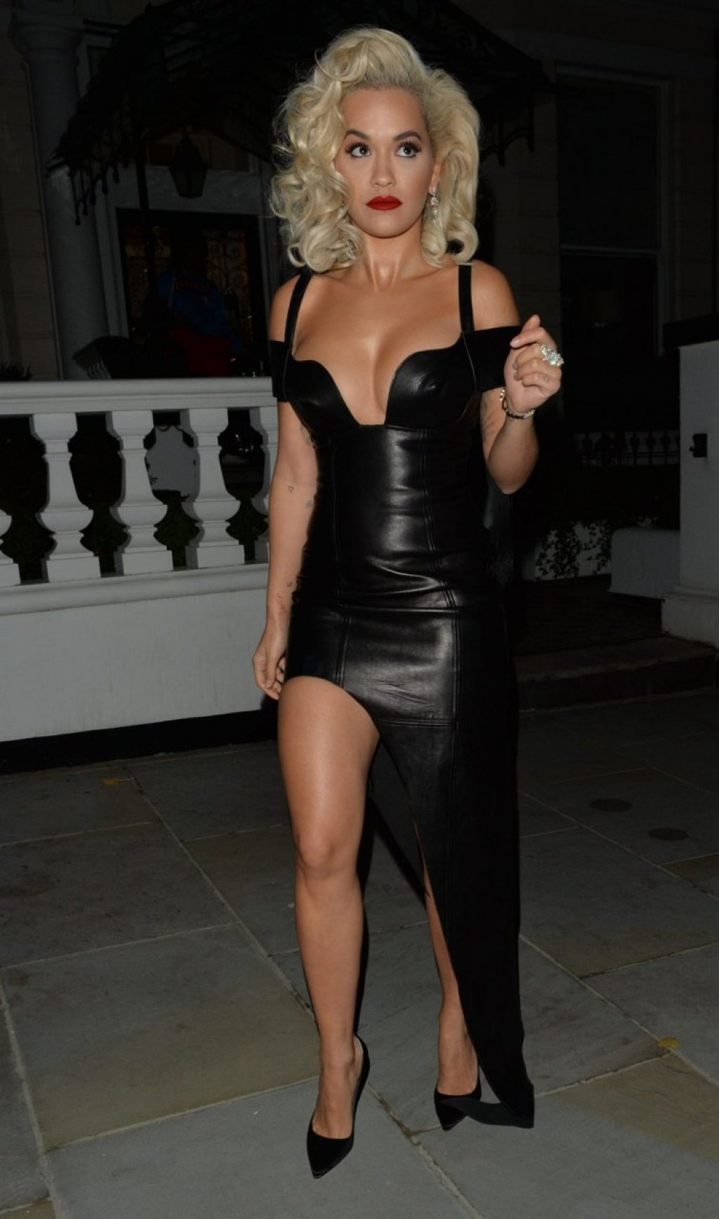 Rita Ora Sexy (63 Photos + GIFs)
