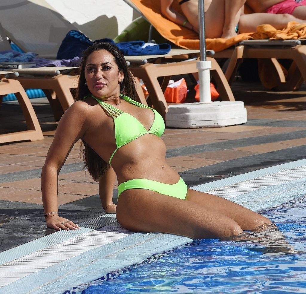 Sophie Kasaei Hot (11 Photos)