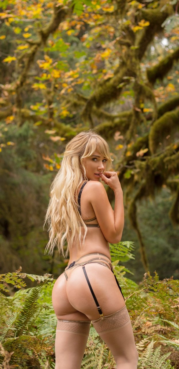 Sara Underwood Hot (7 Photos)