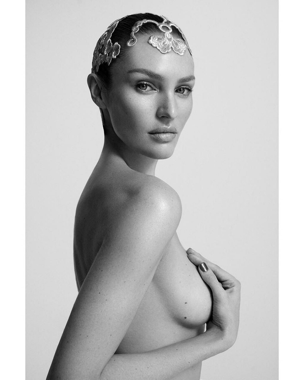 Candice Swanepoel Sexy & Topless (14 Photos)