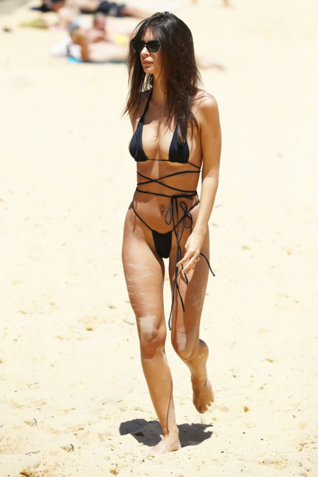 Emily Ratajkowski Sexy (61 New Photos)