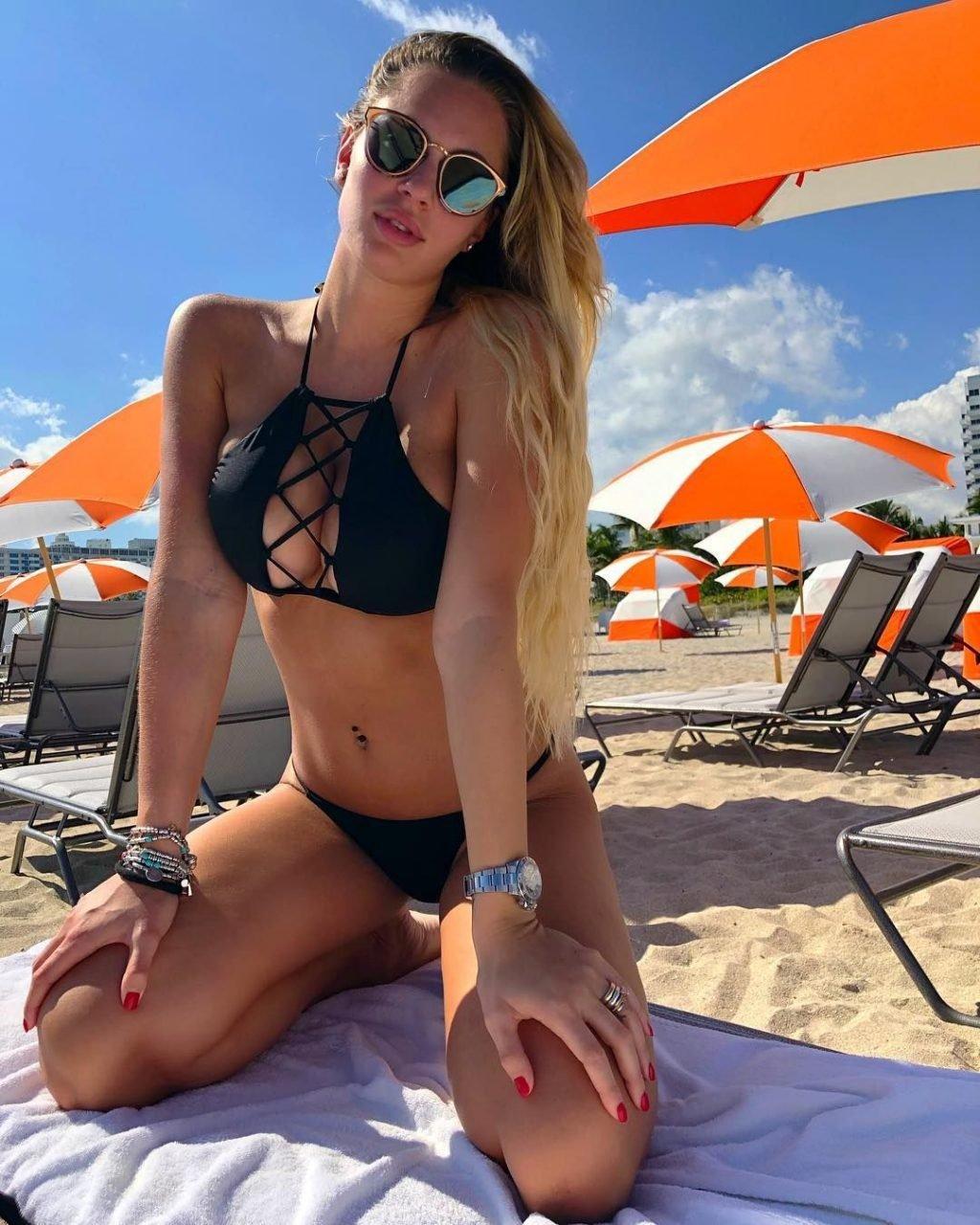 Francesca Brambilla Sexy (28 Photos)