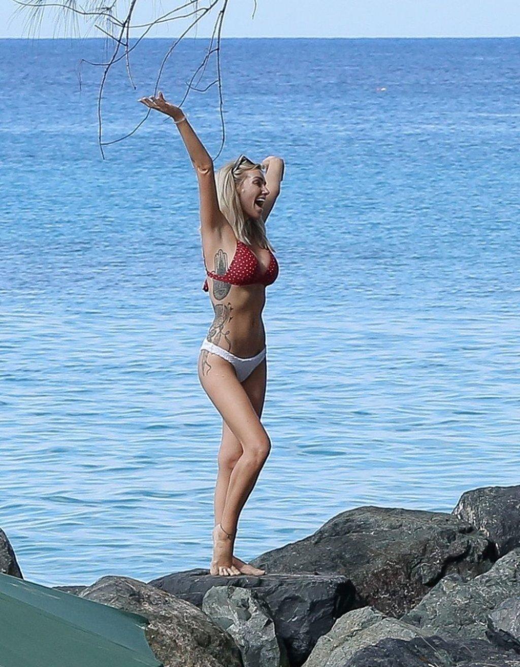 Laura Anderson Sexy (67 Photos)