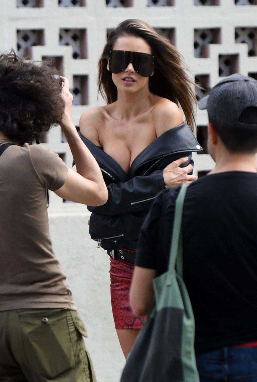 Alessandra Ambrosio (39 Sexy Photos)